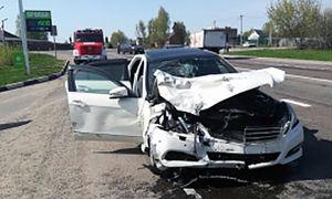 В Курске столкнулись «Mercedes» и  «Suzuki», есть пострадавшие