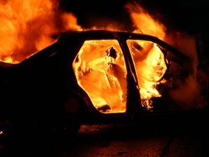 В Белгородской области сгорел автомобиль «ВАЗ 2107»