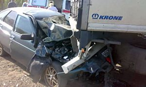 В Курской области ВАЗ врезался в грузовик, пострадал мужчина