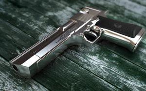Воронежским пьяницам раздавали разрешения на оружие и права на автомобиль