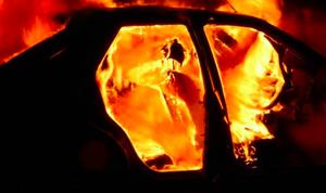 В Курске ночью полностью сгорел «Шевроле Круз»