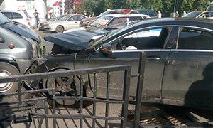 Крупное ДТП на Ленина в Курске: столкнулись две иномарки, микроавтобус и ПАЗ