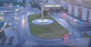 В Липецке автомобиль «Порше» влетел на клумбу, видео