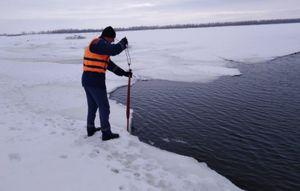 В Саратовской области продолжаются поиски утонувших 28 февраля детей