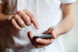Sputnik: Гражданам в РФ перечислили способы обхода защиты смартфона хакерами