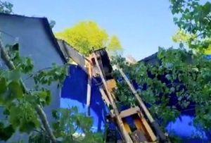 Строительный кран при падении повредил газопровод в Ростове