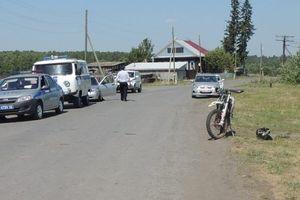 Мотоциклист насмерть сбил женщину в Свердловской области