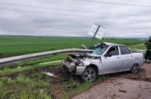 Водитель ВАЗа пострадал в ДТП на трассе в Курской области