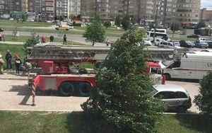 В Курске подросток сидел на кондиционере на фасаде 17-го этажа дома