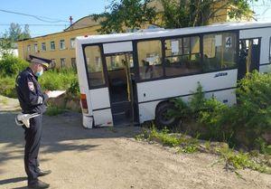 Установлены личности шести погибших в ДТП с автобусом в Свердловской области