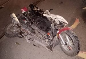 Мотоциклист врезался в припаркованную иномарку в Заводском районе Саратова