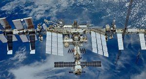 Роскосмос исключил усталость металла из версий появления трещины на МКС