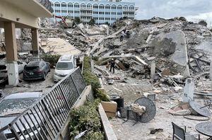 Десятки человек оказались под завалами после крушения жилого дома во Флориде в США