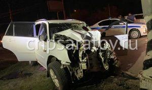 Водитель иномарки сбил дорожных рабочих в Энгельсе, один погиб