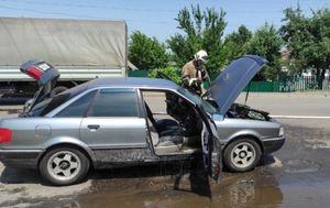 В поселке в Курской области сгорела Audi