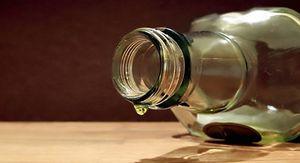 Пятеро мужчин умерли после отравления алкоголем в Карелии