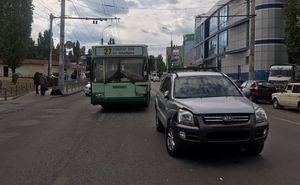 В Воронеже маршрутный автобус столкнулся с иномаркой