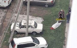 В Барнауле человек погиб, выпав из окна 10-этажного дома