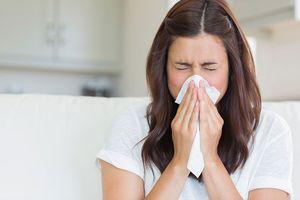 Врач-офтальмолог Лещенко заявила, что глаза всегда реагируют на простудное заболевание